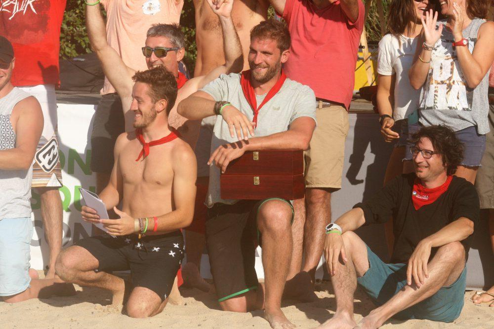 Victoire surf contre la faim équipe Taldea
